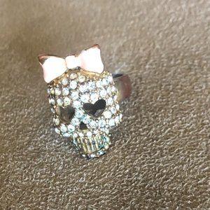 Betsey Johnson Crystal Skull shaped ring size 6/7